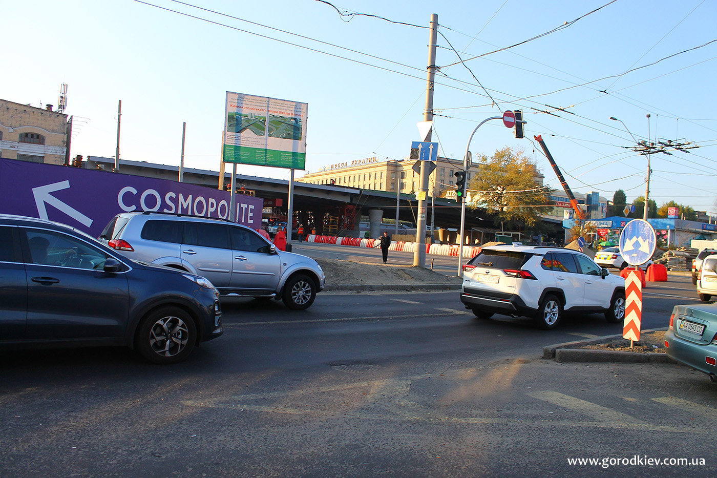 Движение транспорта по проспекту Победы в районе Шулявского моста возобновлено полностью