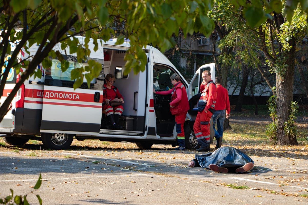 В Киеве дворник умер после того, как покурил сигарету