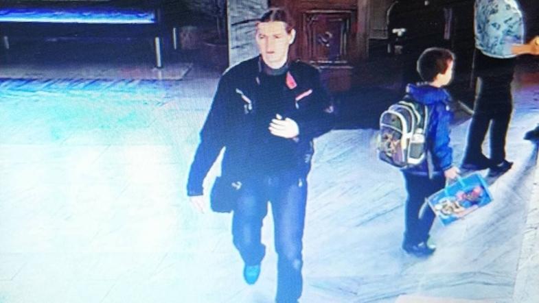 В киевской гимназии мужчина напал на ребенка
