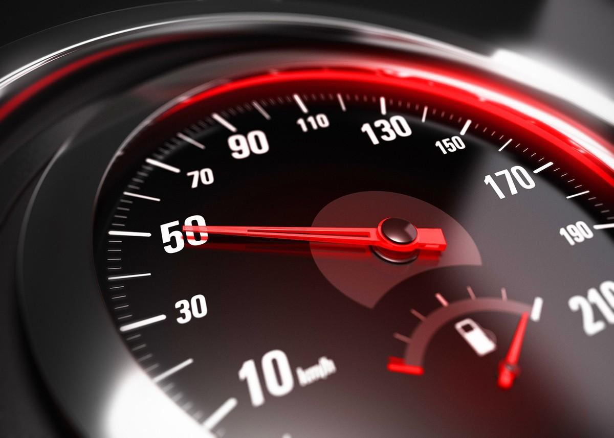 С 1 ноября максимальная скорость движения в Киеве будет составлять 50 км/ч