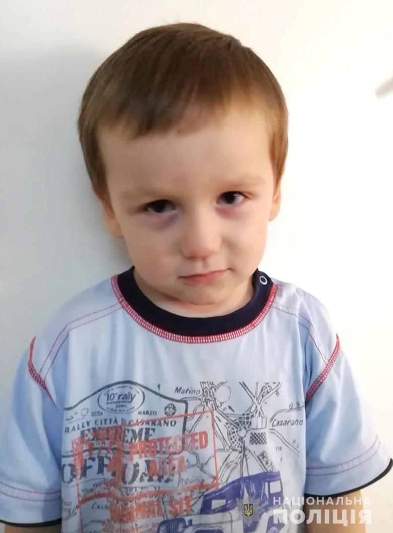В Киеве нашли избитого 3-летнего мальчика