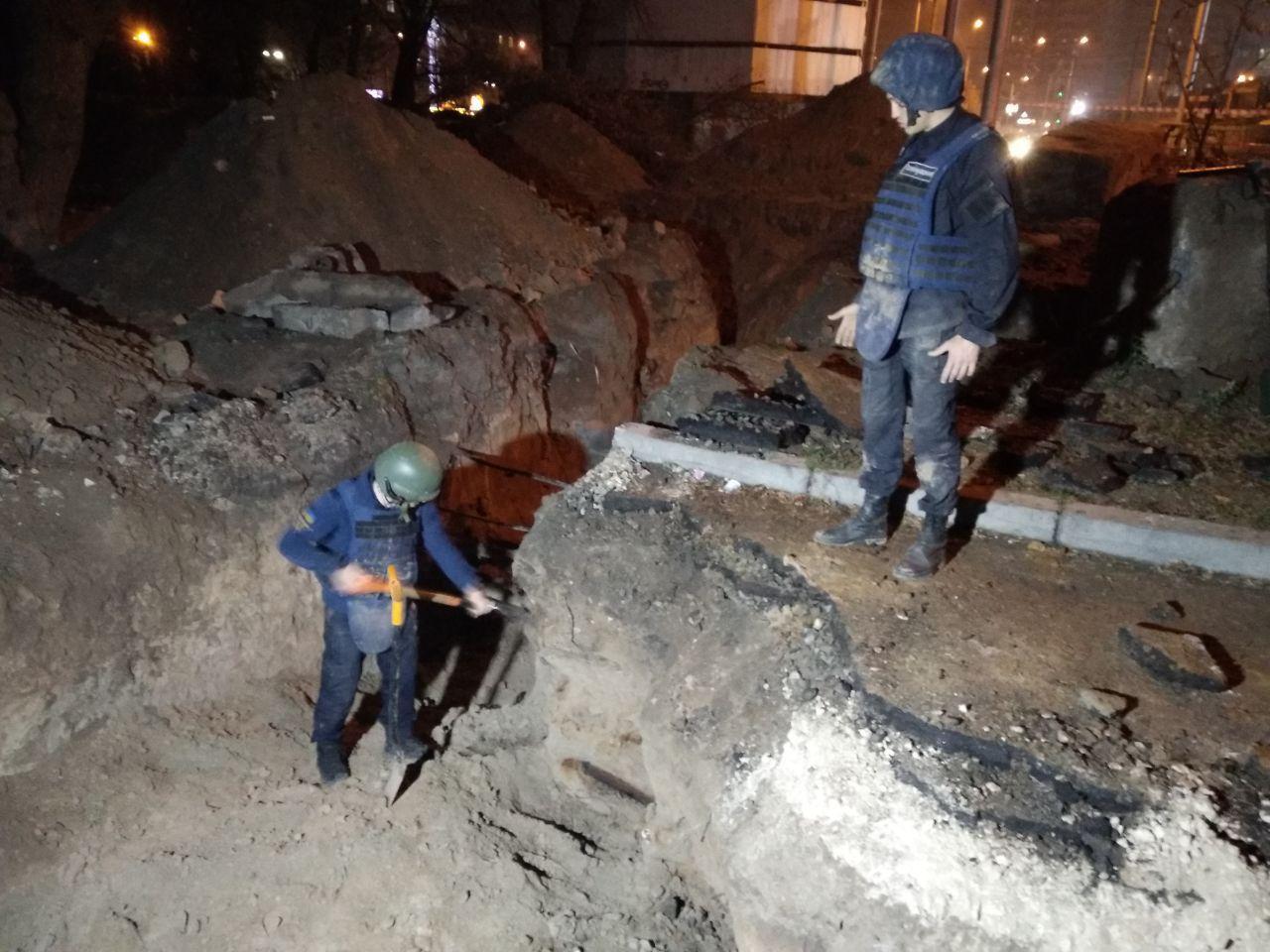 Возле Шулявского моста нашли склад старых боеприпасов