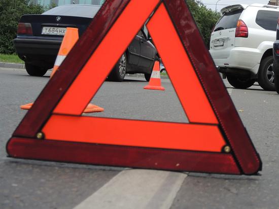 В Киеве пьяный инвалид устроил ДТП в жилом дворе