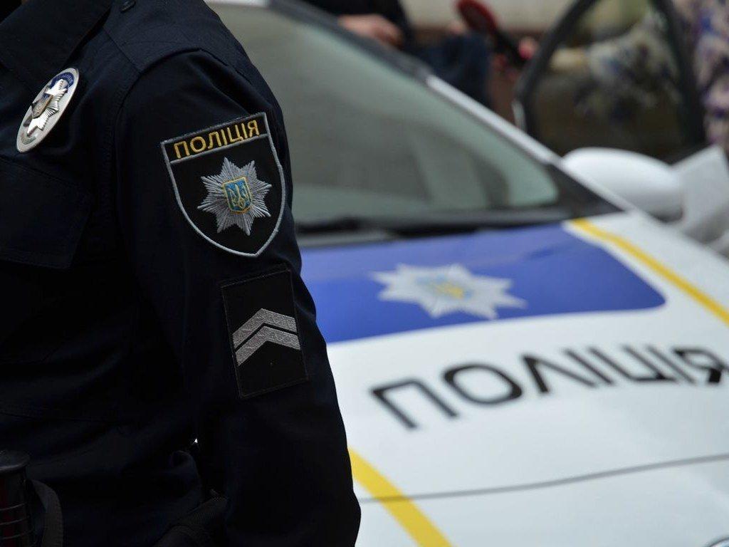 На полицейских Киевщины напал пенсионер МВД