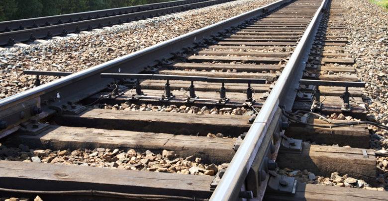 Под Киевом скоростной поезд переехал пенсионерку