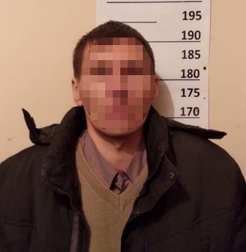 В Киеве задержали педофила, надругавшегося над 10-летней школьницей