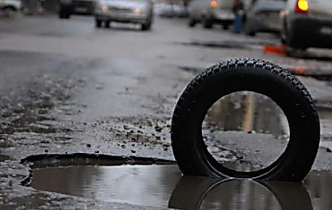 Стало известно, почему в Киеве такие плохие дороги