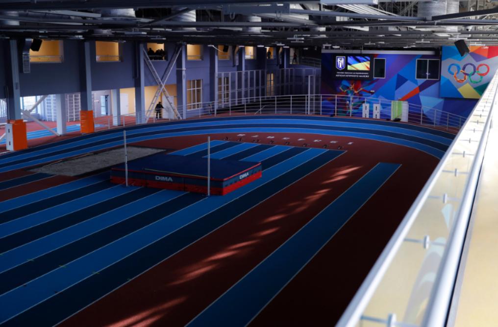 На Березняках открылся обновленный спортивный манеж
