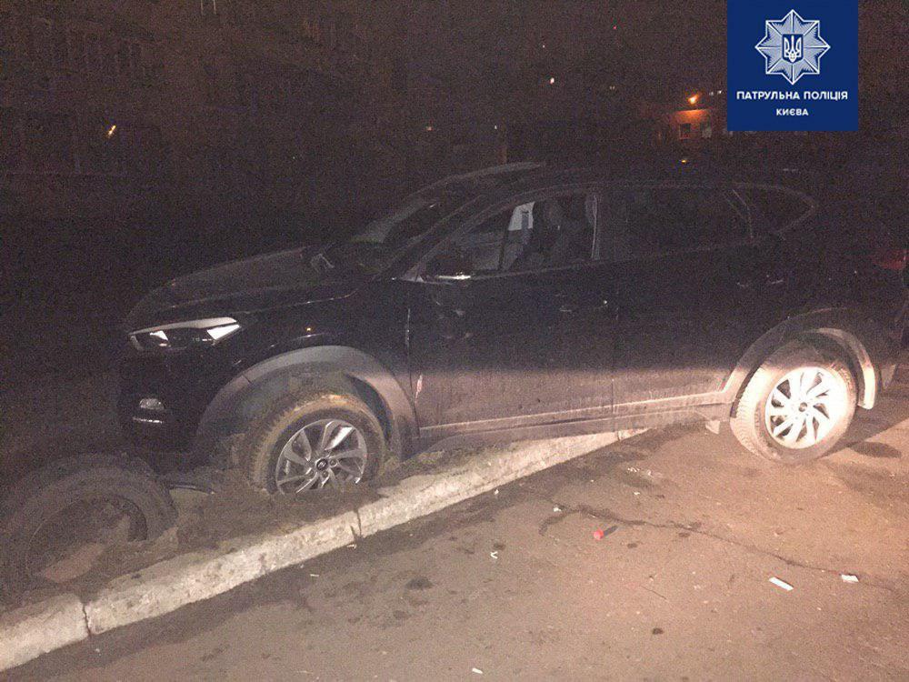 На Позняках автоугонщик с газовым баллончиком напал на патрульных