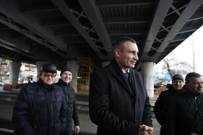 Кличко заявил, что Шулявский мост готов принять транспорт
