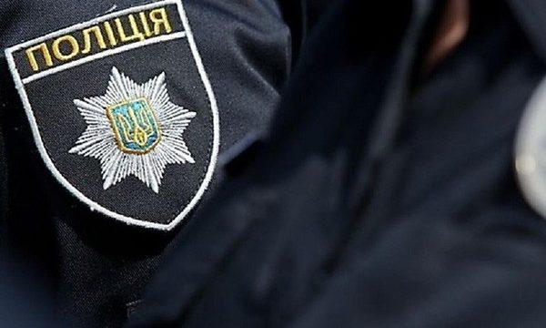 Киевлянка нашла у себя на балконе трупы двух убитых девушек
