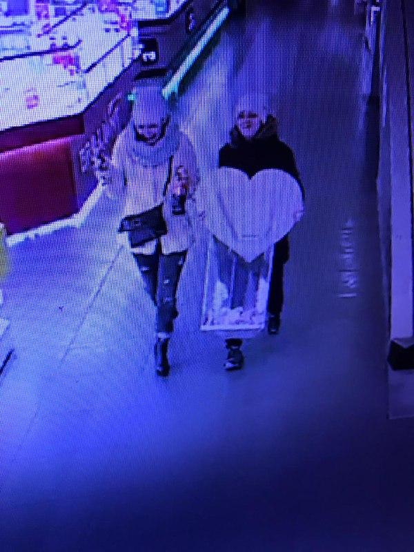 На Рождество в Киеве две женщины украли деньги у больного мальчика