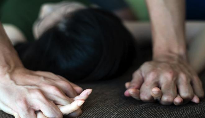 На Куреневке мужчина пытался изнасиловать женщину в подъезде дома