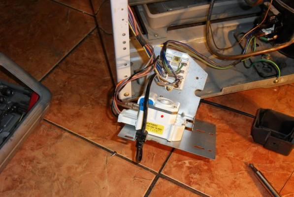 Сломалось реле в холодильнике: причины неисправности, диагностика, ремонт