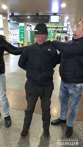 На Киевщине преступник ограбил ребенка и убил пожилого мужчину