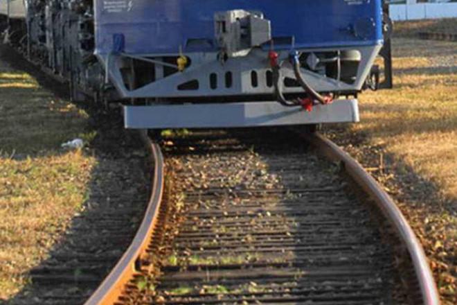 В Киеве несовершеннолетняя девушка в наушниках погибла под колесами поезда