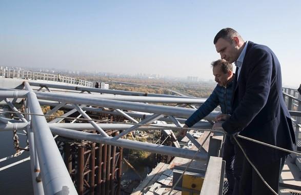 Кличко заявил о необходимости закрыть два моста в Киеве
