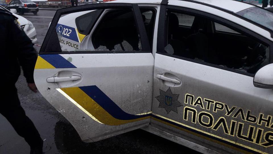 Киевлянин бросил под ноги полицейских боевую гранату. Произошел взрыв