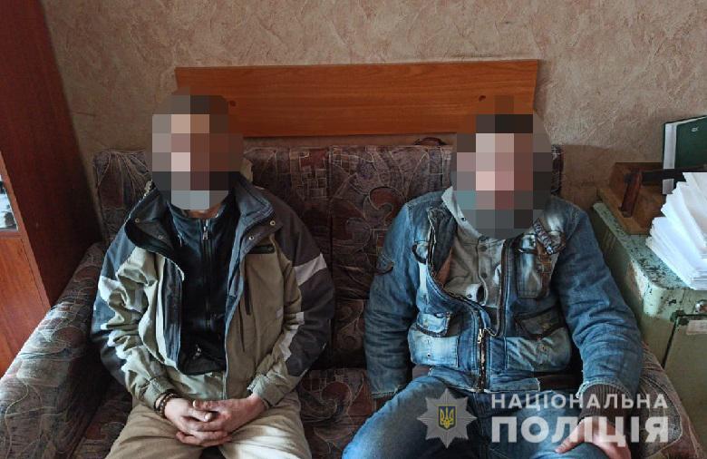 Скучно на карантине: в Киеве двое мужчин устроили погром в магазине