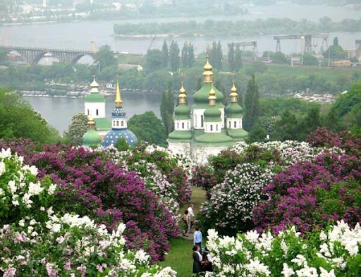 В Киеве на карантин закрыли ботанический сад