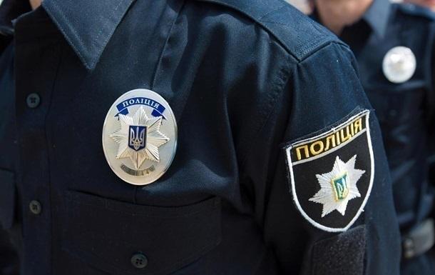 В Киеве иностранец, который в карантин пил алкоголь на улице, стал жертвой ограбления