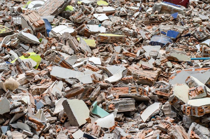 Вблизи Киева бизнесмен уничтожил детский санаторий
