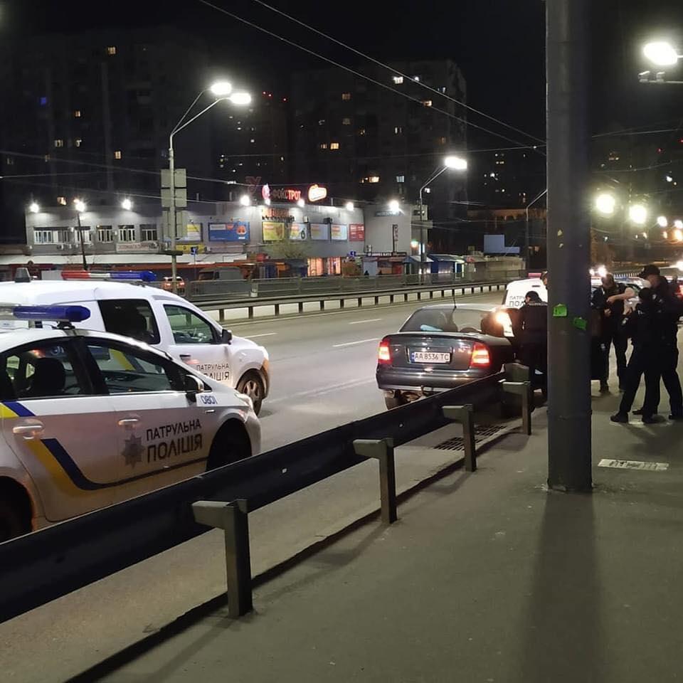 В Киеве насильно похитили парня, чтобы сдать его в больницу