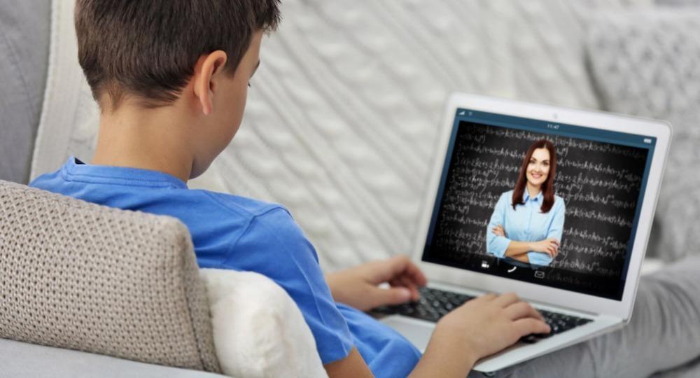 Киевским школьникам оценки за семестр поставят по интернету