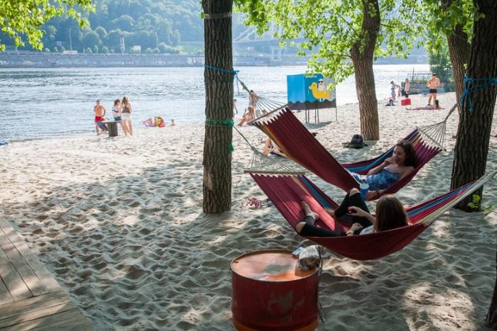 В Киеве подготовят и откроют 14 пляжей для купания летом