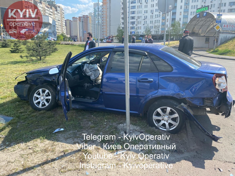 На Позняках неадекватный водитель убил женщину на тротуаре