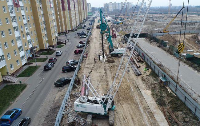 На строительстве метро на Виноградарь произошло происшествие с грузовиком
