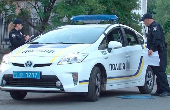 В Киеве в лесу на прохожего напал неизвестный