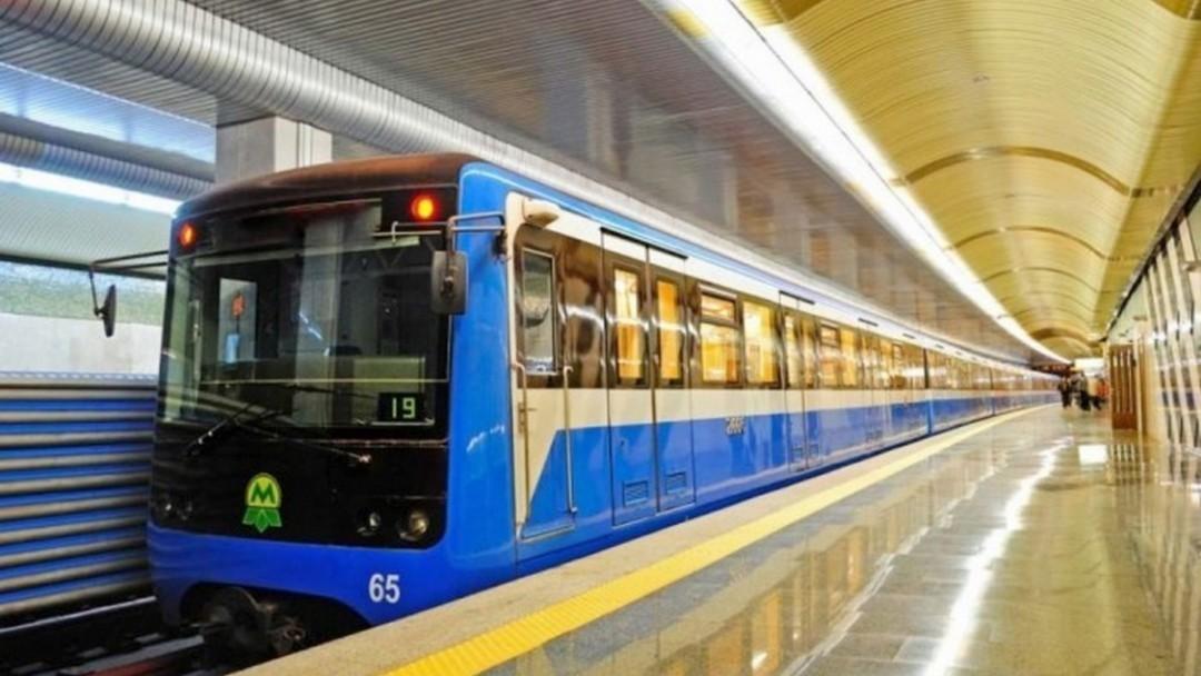 Кличко призвал киевлян не ездить в метро без дела