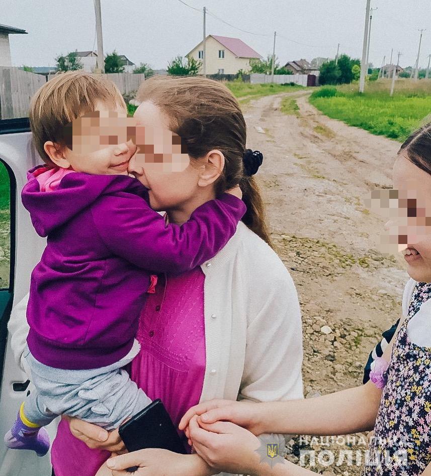 На Киевщине отец проморгал свою 3-летнюю дочь из многодетной семьи