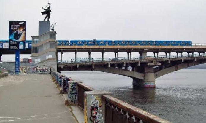 В киевском метро предотвращена попытка самоубийства