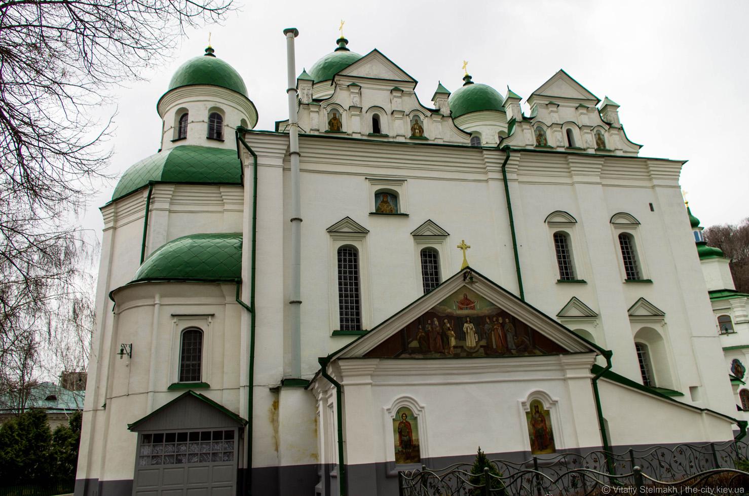 В женском монастыре на Подоле обнаружили вспышку COVID-19
