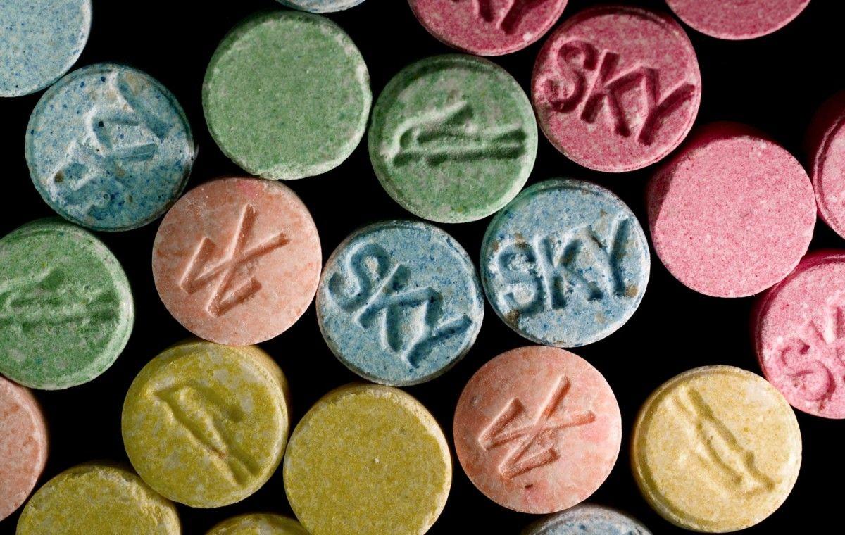 Главный врач киевской больницы за деньги выписывал рецепты наркотиков