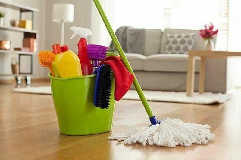 Промышленный клининг: почему дешевле, чем штатная уборщица в офисе?