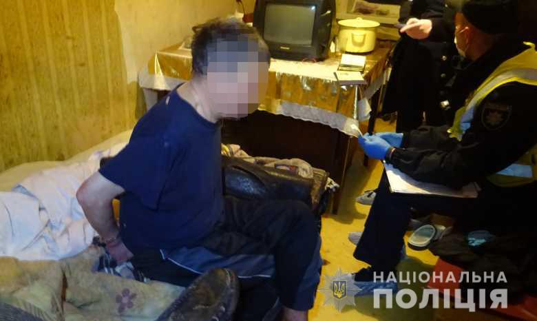 Убийство в Днепровском районе Киева: мужчина за столом зарезал своего брата