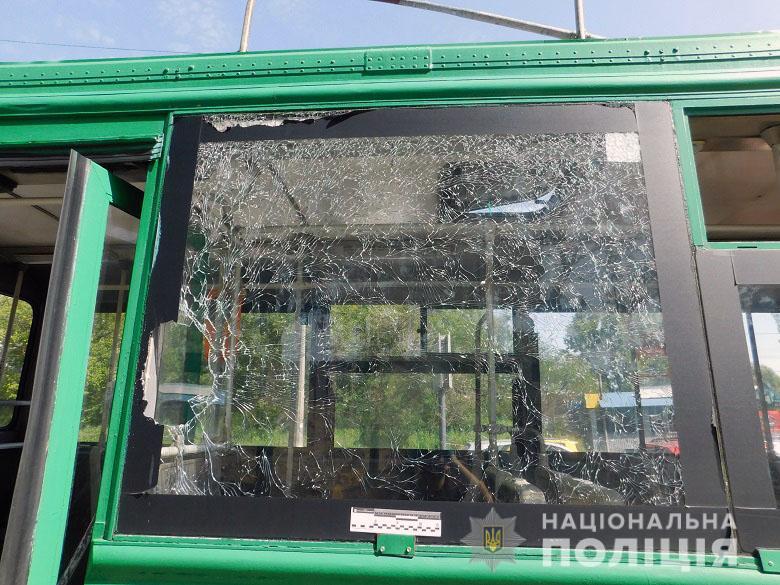 """Киевлянин """"отомстил"""" троллейбусу, на который опоздал"""