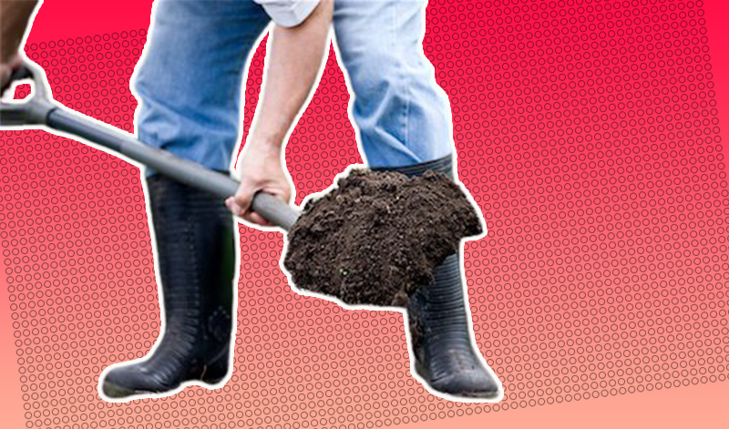 На улице Берковецкой в Киеве рабочий выкопал труп мужчины