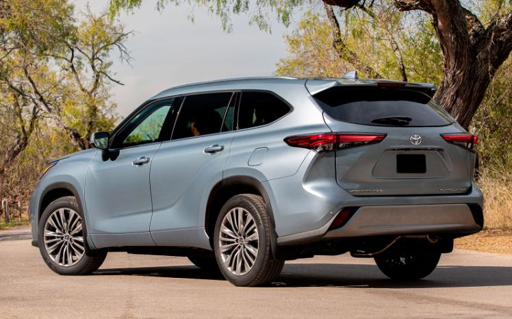 Новый Toyota Highlander – и в Европе тоже