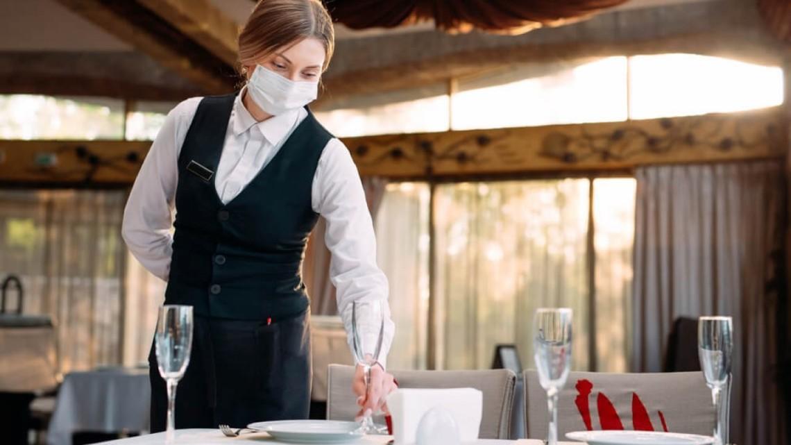 Кличко разрешил ресторанам работать после 22:00
