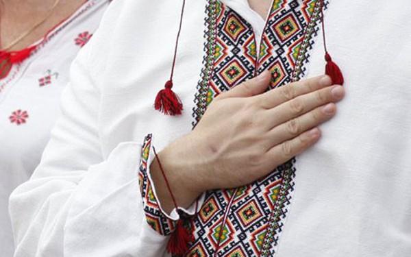 Киевские школьники будут петь на уроках Гимн Украины