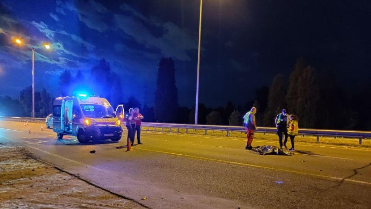 Страшное ДТП на Оболони: пешехода разорвало на части