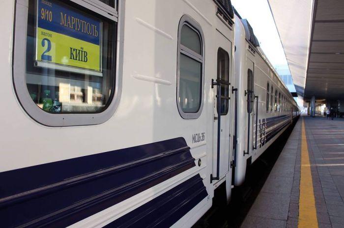 В поезде по пути в Киев опасный преступник избил и пытался изнасиловать женщину