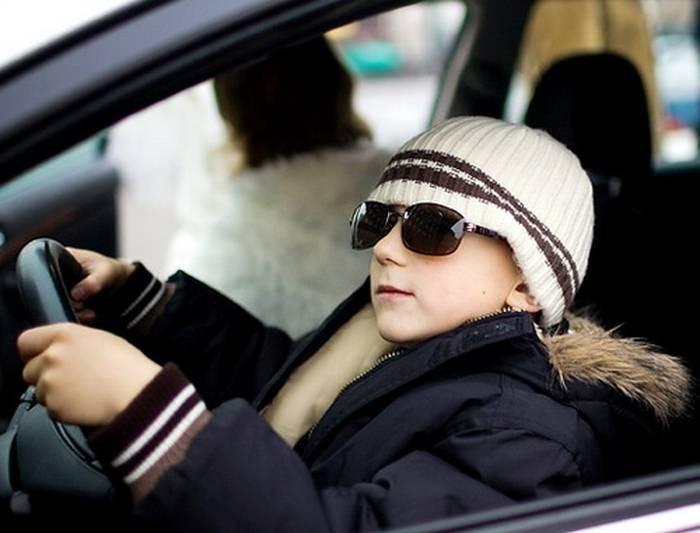 На Киевщине малолетние дети угнали автомобиль и попали в ДТП