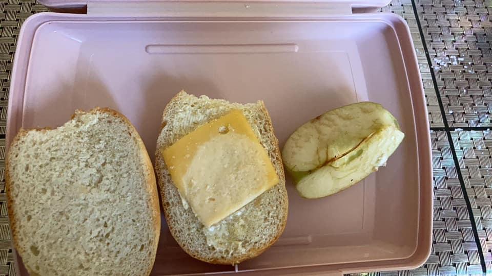 Киевлян разозлил завтрак в столичной школе