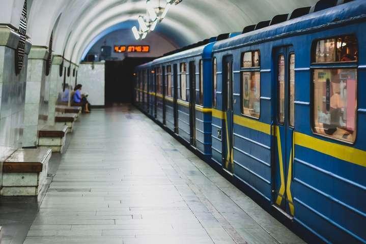 В Киевском метро зацепперу отрезало голову