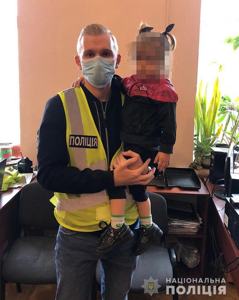 19-летняя киевлянка бросила свою 3-летнюю дочь на уличный произвол